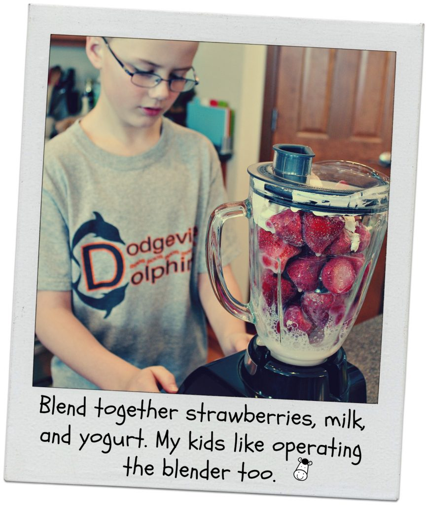Cooking with kids fruit smoothies 7