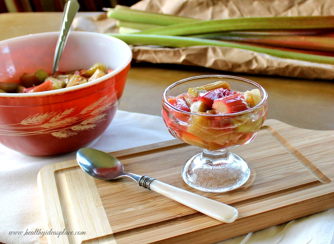 Easy Rhubarb Sauce