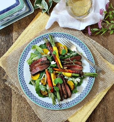 Peppercorn Steak Salad