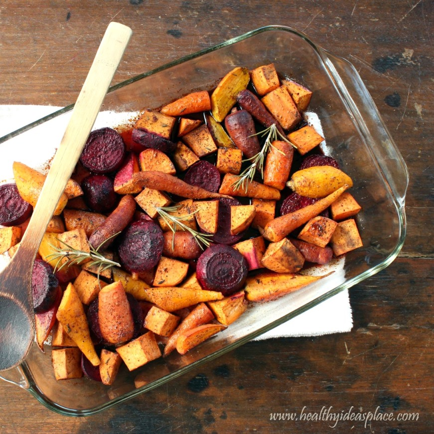 47 Healthy Thanksgiving Sides - If you're looking for a healthier Thanksgiving side dish, look no further! Here's a collection of 47 delicious and healthy Thanksgiving sides – all dietitian approved. You'll find anything from cranberries to potatoes to salads and more. Best of all, you can make these recipes at Christmas too!