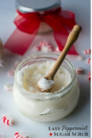 DIY: 3-Ingredient Peppermint Sugar Scrub